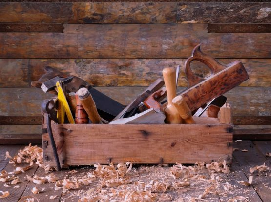 Wooden toolbox suitable for carpentry and repairs